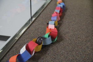 CreaseStream Christmas paper chain